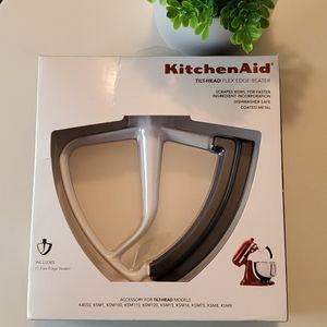 KitchenAid Tilt-Head flex edge beater